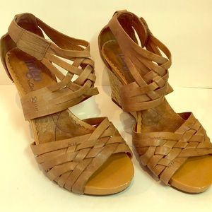 Brown leather Clark's Wedged espadrille shoes